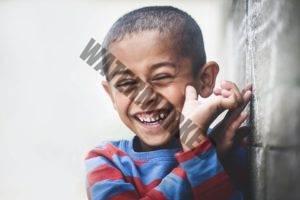 enfant noir qui rit